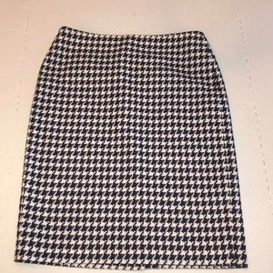 Talbots Petite Navy Houndstooth Skirt Size 6 6P